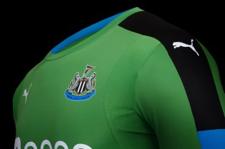 PA10152_NUFC GK HOME shirt shot 5 - product code 750008 02