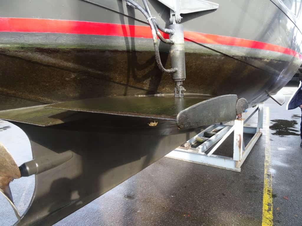 Flossen als hydraulische Stabilisatoren am Rumpf der MV JULIUS dämpfen das Schaukeln bei Reisen über Ostsee und Nordsee.