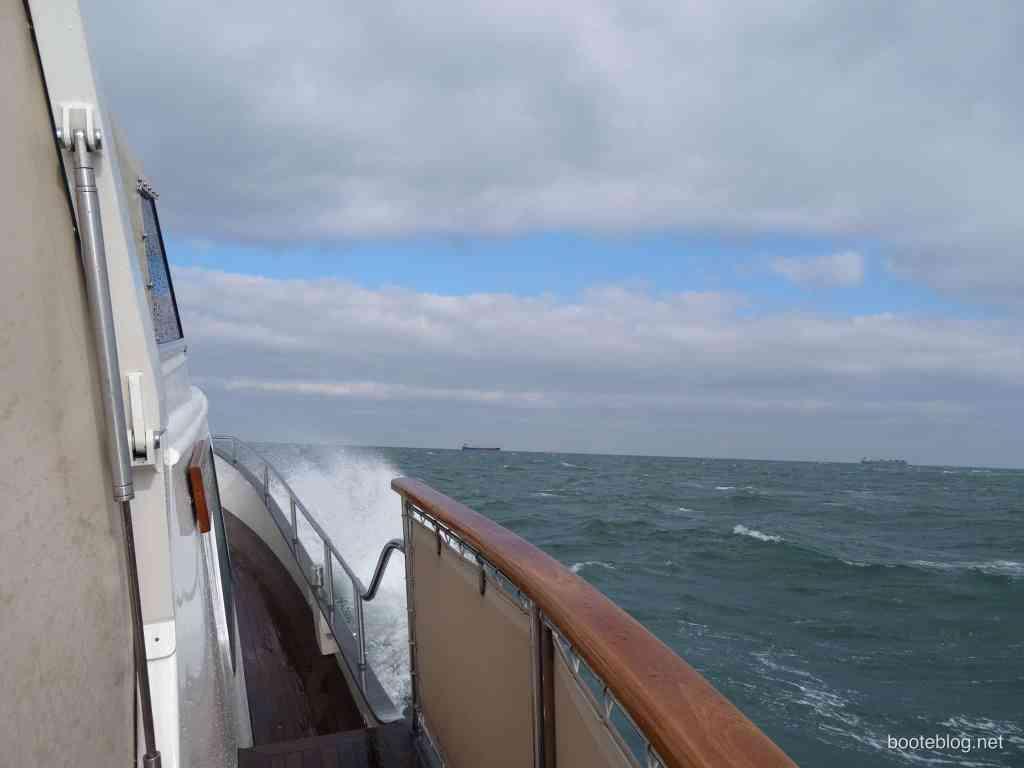 Die JULIUS auf der Nordsee bei Windstärke 6.