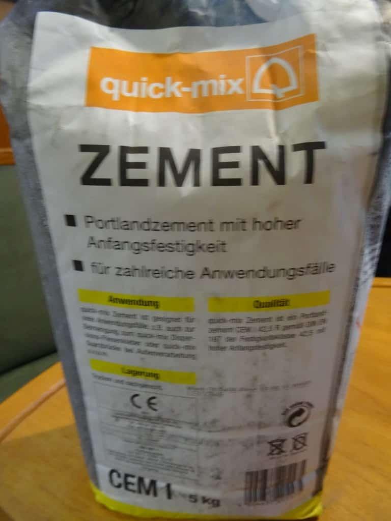 Einfacher Zement ohne Zusätze.