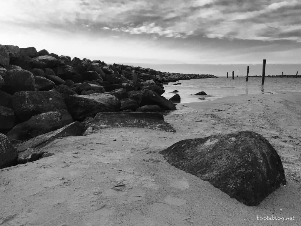 Mole und Strand