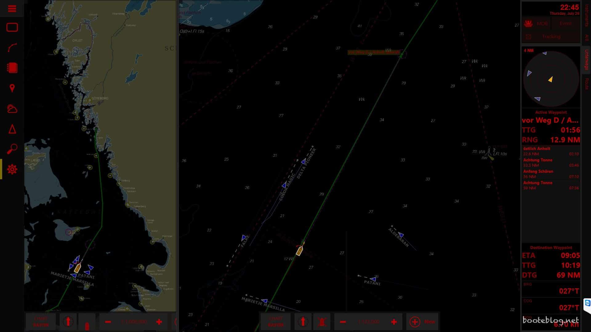 Auf dem Kattegat Nachts gegen zwei Uhr mit gedimmtem Navigationsdisplay.