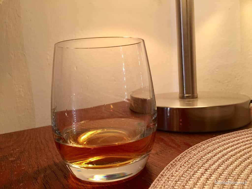 Ein Whisky als Dankeschön. Gefällt mir.