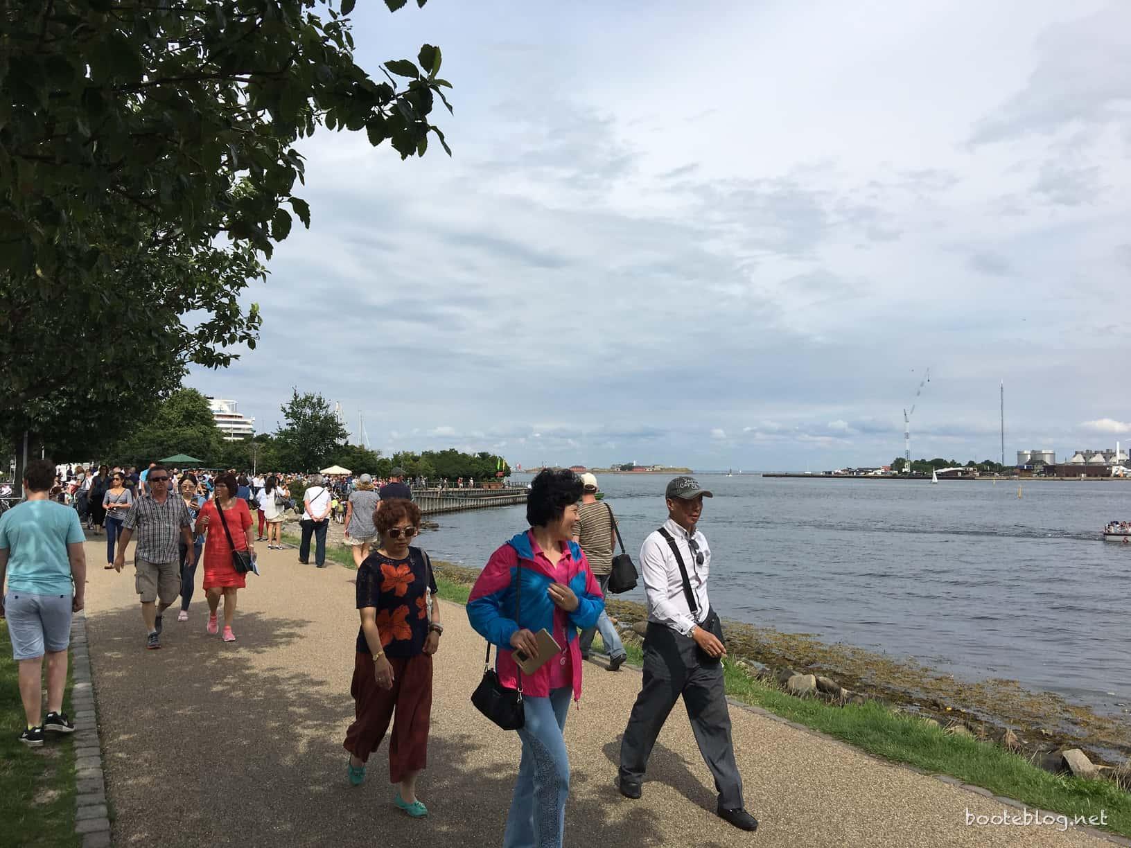 """Unter den Touristen sind auffallend viele Asiaten. Kopenhagen scheint ein """"Must See"""" auf asiatischen Europa-Touren zu sein."""