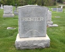 Richter's headstone