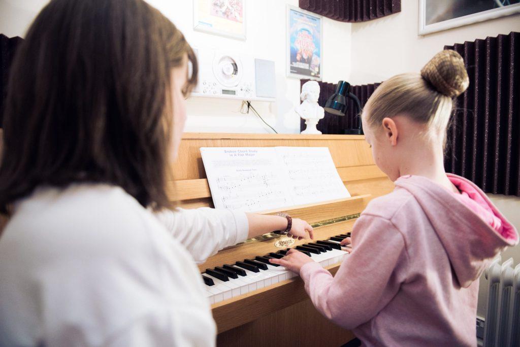 piano lessons bolton
