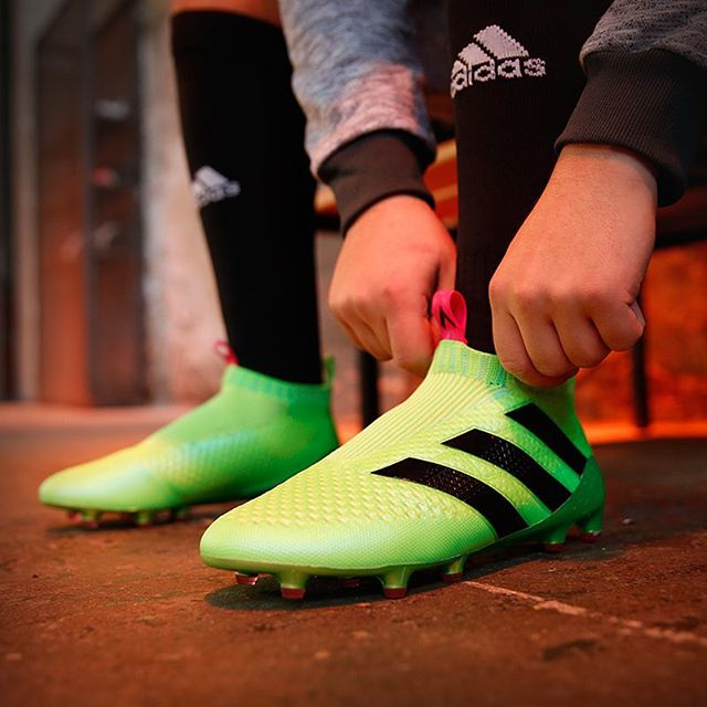 5 Biggest Trends in Football Boots of the Decade - the laceless boot adidas Ace 16+