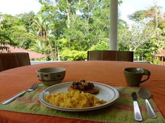 sierrallorona-breakfast