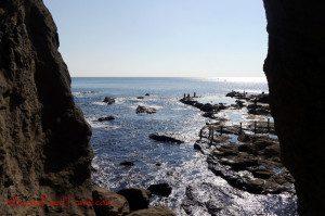 enoshima-cave-coast