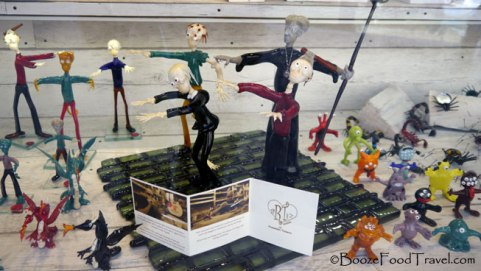 Who wouldn't want decorative glass zombies?