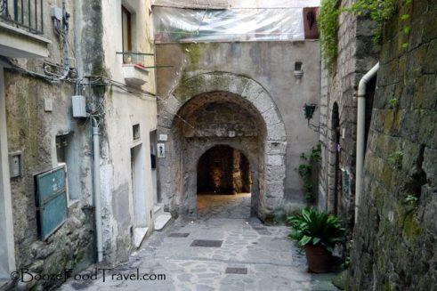 The passageway leading to Marina Grande