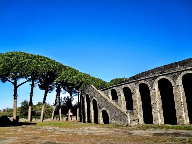 pompeii_amfi