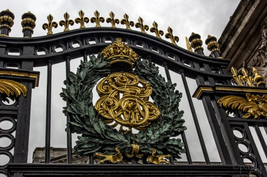 Gate detail of Buckingham Palace