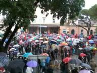 Raduno alla stazione ferroviaria, punto di partenza del corteo antifascista e antirazzista