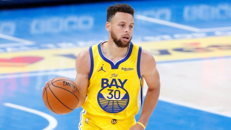 Steph Curry with basketball