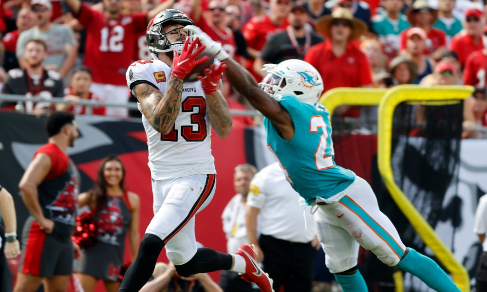 Bucs Offense Overpowers The Dolphins Defense In 45-17 Win