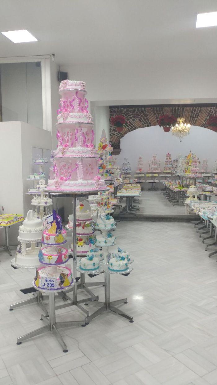 Quinceria cakes