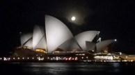 You can never have enough pictures of the Opera House. And when the moon is looking that good it's almost impossible to take a bad picture of it.