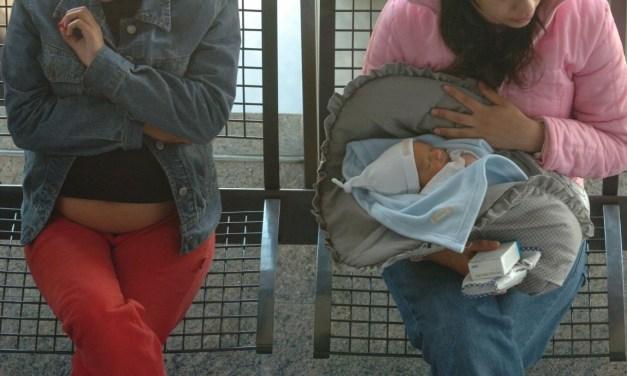 Madres adolescentes, el eslabón más vulnerable entre los Ni-Ni