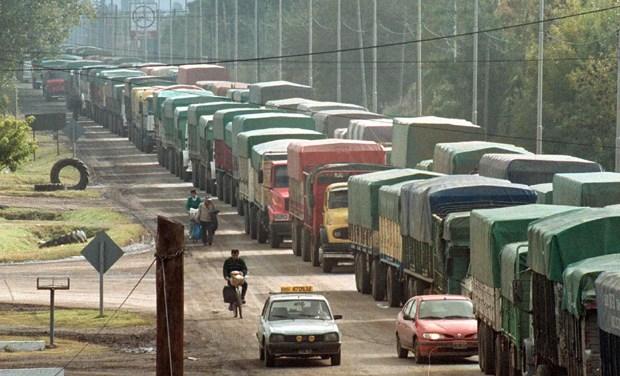 El contrabando de soja ya mueve 3.400 millones de dólares en Argentina