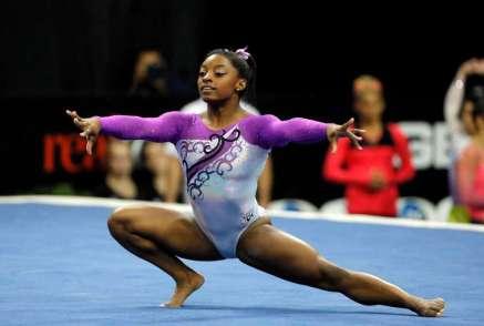 Simone Biles, multiganadora de oros y el nuevo cuerpo de la gimnasia artística.