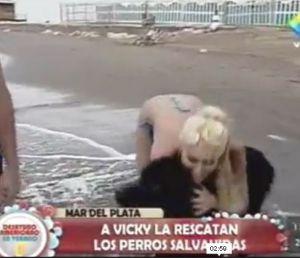 Un perro la salvó un verano. Ella fue impiadosa con mascotas.