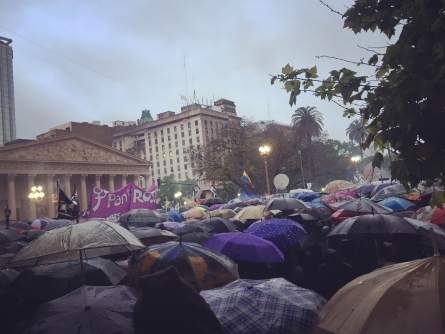 La plaza. (Foto: Denise Murz).