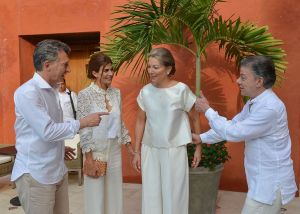 Macri utilizó el avión de la denuncia en su viaje a Colombia, para la firma de paz con las FARC.
