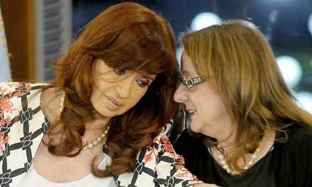 Denuncian que fondos de Santa Cruz se desvían a la campaña bonaerense de CFK