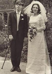 Hawking con su pirmera esposa, Elaine.