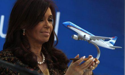 Uno por uno, los 9 contratos con los que Aerolíneas benefició al hotel de CFK por más de US$ 3,5 millones