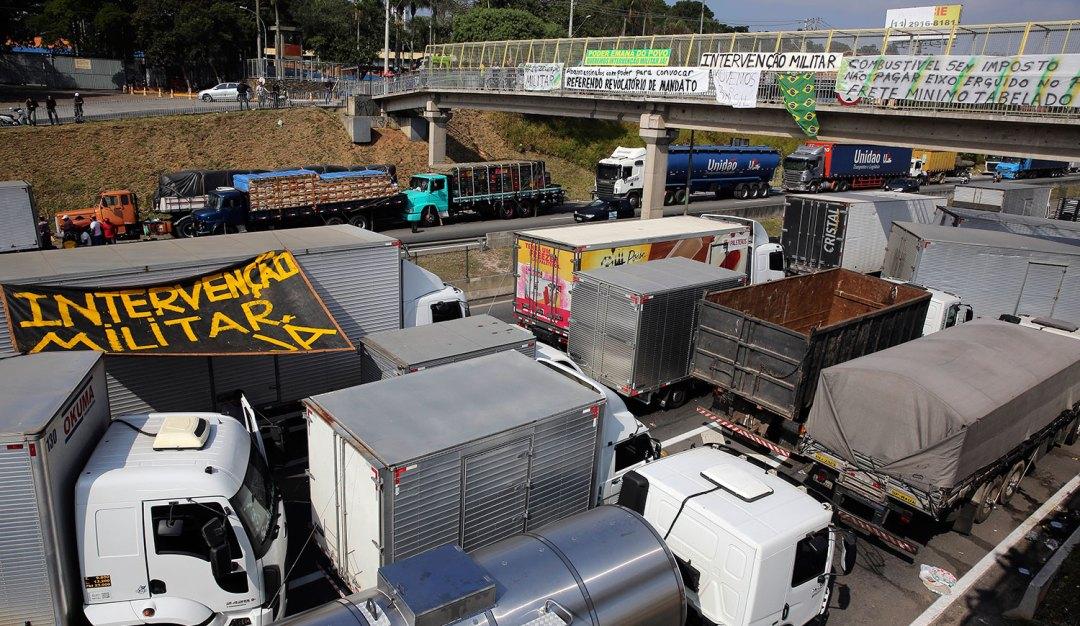 El paro de camiones en Brasil produce desabastecimiento. Zozobra argentina.