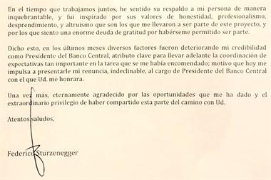 La renuncia formal de Sturzenegger. Lo echó Macri.