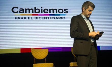 Campaña por WhatsApp: El nuevo chiche de Marcos Peña para dar pelea en el conurbano