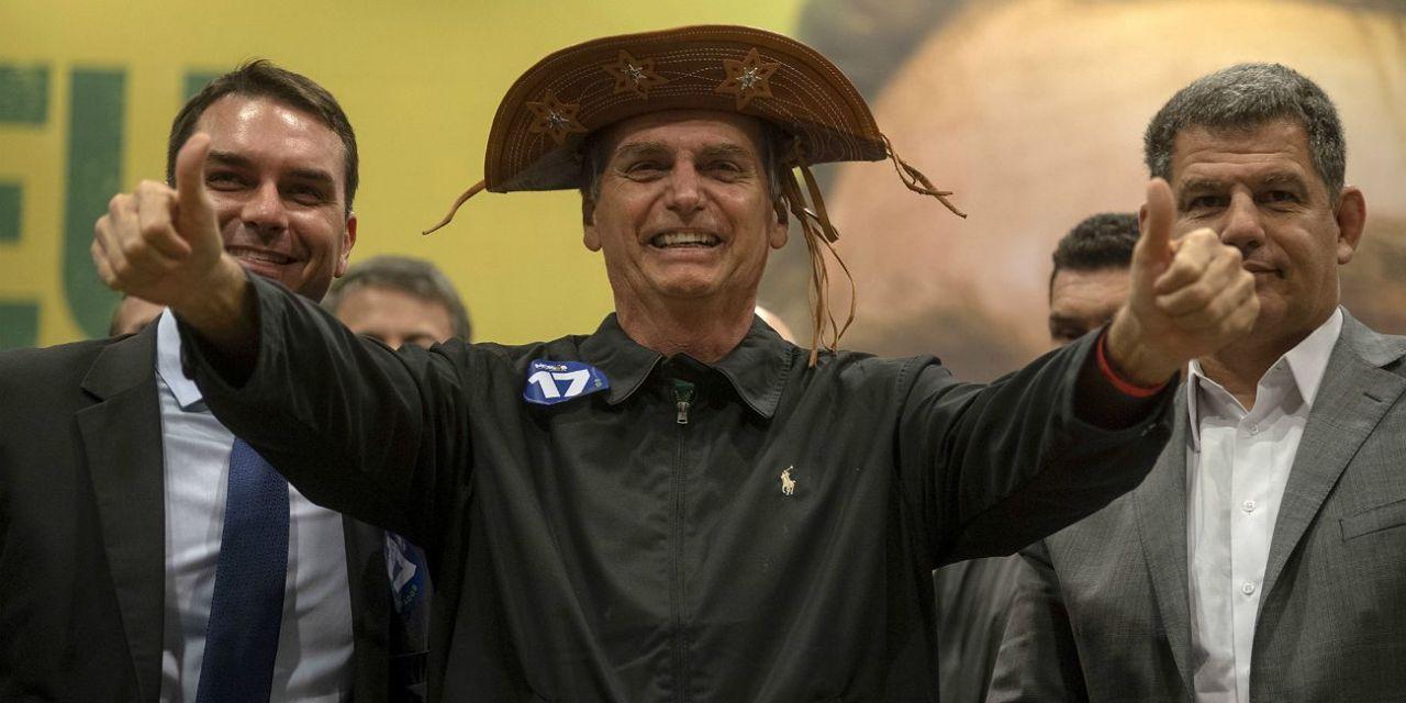 Jair Bolsonaro reveló que tiene síntomas de coronavirus y se hizo un nuevo test
