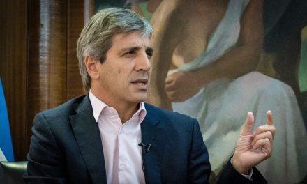 """En la función pública, Caputo duplicó sus bienes en pesos aunque vendió sus """"botes"""""""