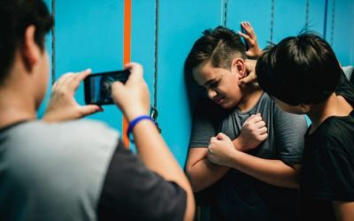 ¿Cómo diferenciar el conflicto entre pares con el bullying?