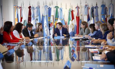 """El Gobierno descarta un ingreso universal pero debate mantener un """"IFE para pocos"""""""