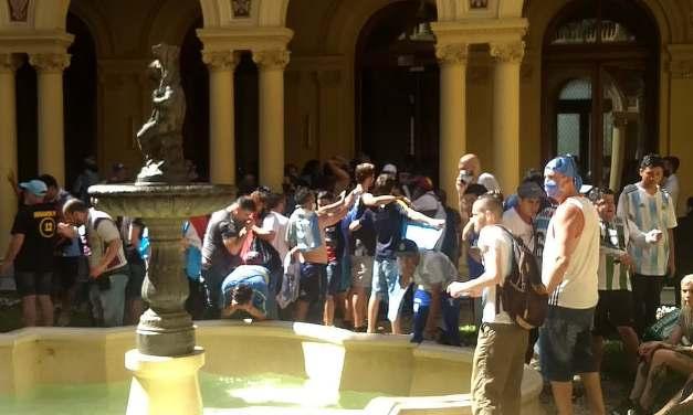 Velorio de Maradona: la interna de Seguridad detrás del escándalo en Casa Rosada