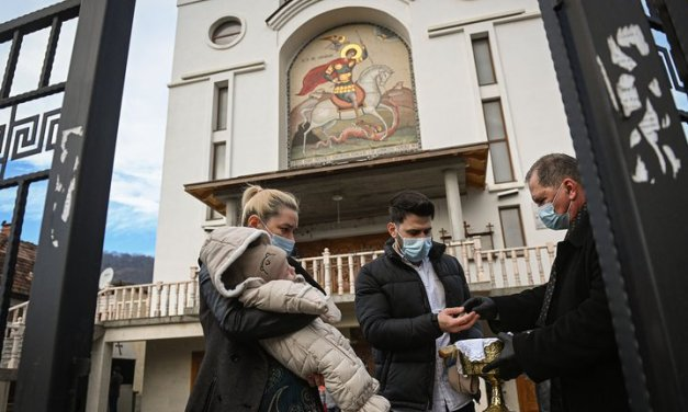 Fatal bautismo en Iglesia Ortodoxa de Rumania