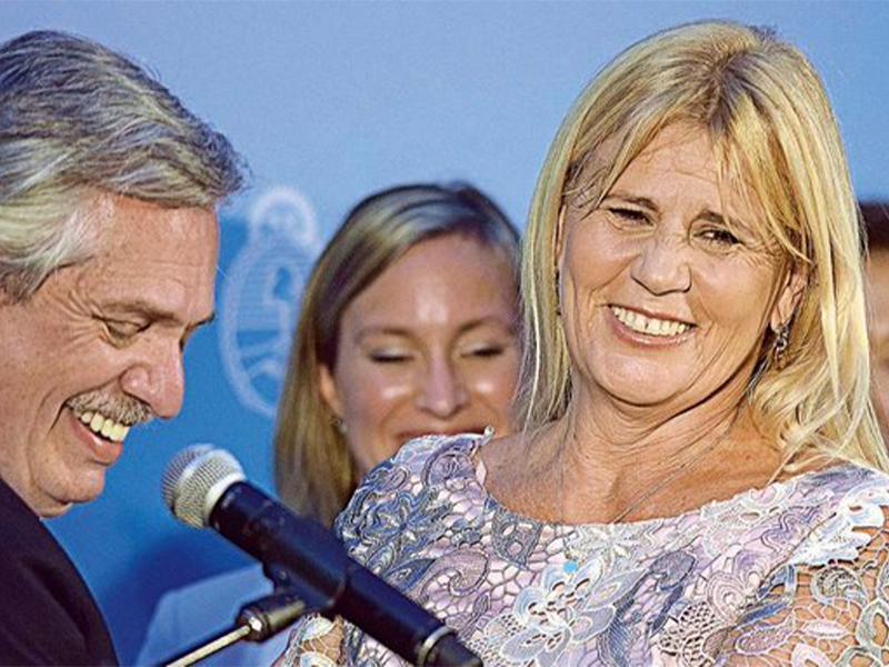 Marcelo Losardo y Alberto Fernández, juntos, en la jura de ministros