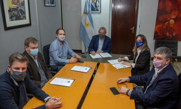Frimaron acuerdos para expandir las redes de agua y cloacas en el Conurbano