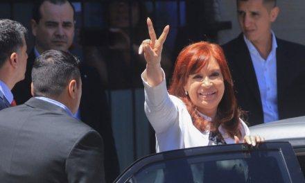 Cristina Kirchner tuiteó tres veces más sobre su situación judicial que sobre la pandemia