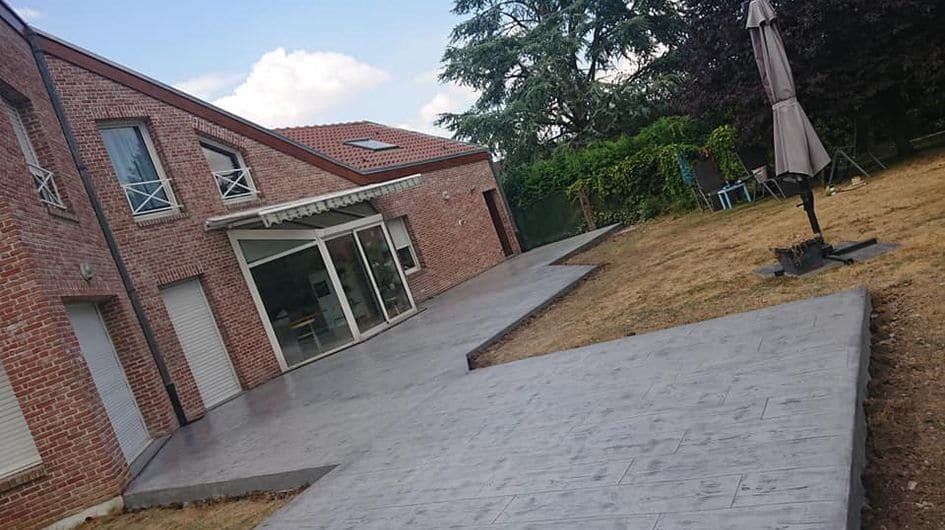 Terrasse En Beton Imprime Imitation Lame De Bois Bordures Deco