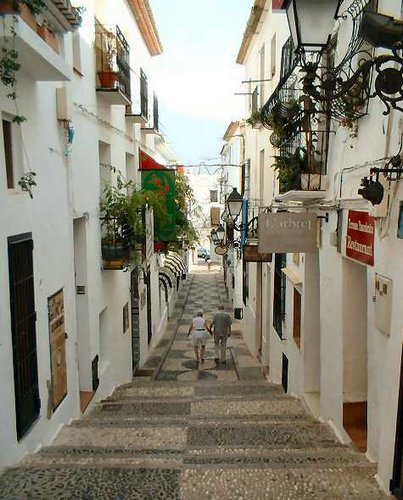 Calle casco antiguo de Altea – Altea old town street