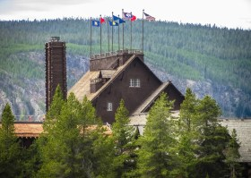 Yellowstone Lodge