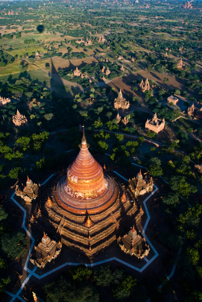 Temples of Bagan from a hot-air balloon, Myanmar (by ross_123)