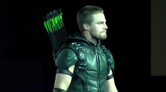 Green Arrow Stephen Amell SDCC 2015