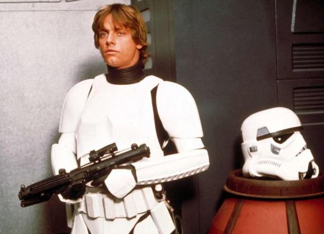 luke-in-stormtrooper-disguise