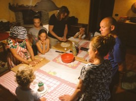 Fede and Patricia hosted pasta making lessons for Dutch and Danish guests.